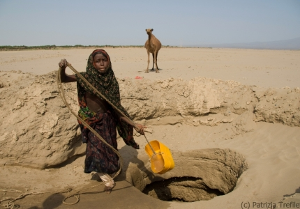 Collecting water from a handmade well